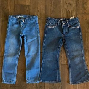 4 pairs of 2T jeans